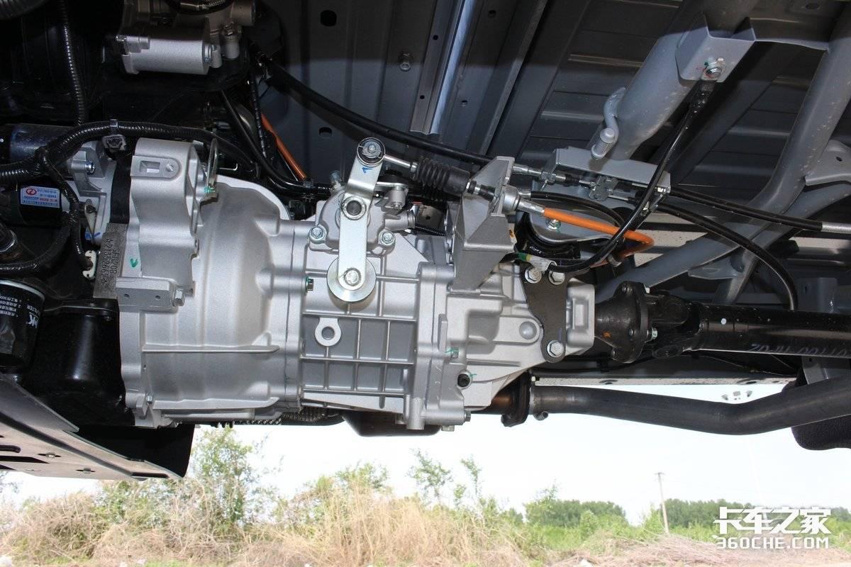 比轻卡更好上牌还能拉这款142马力东风小康C71挺不错!