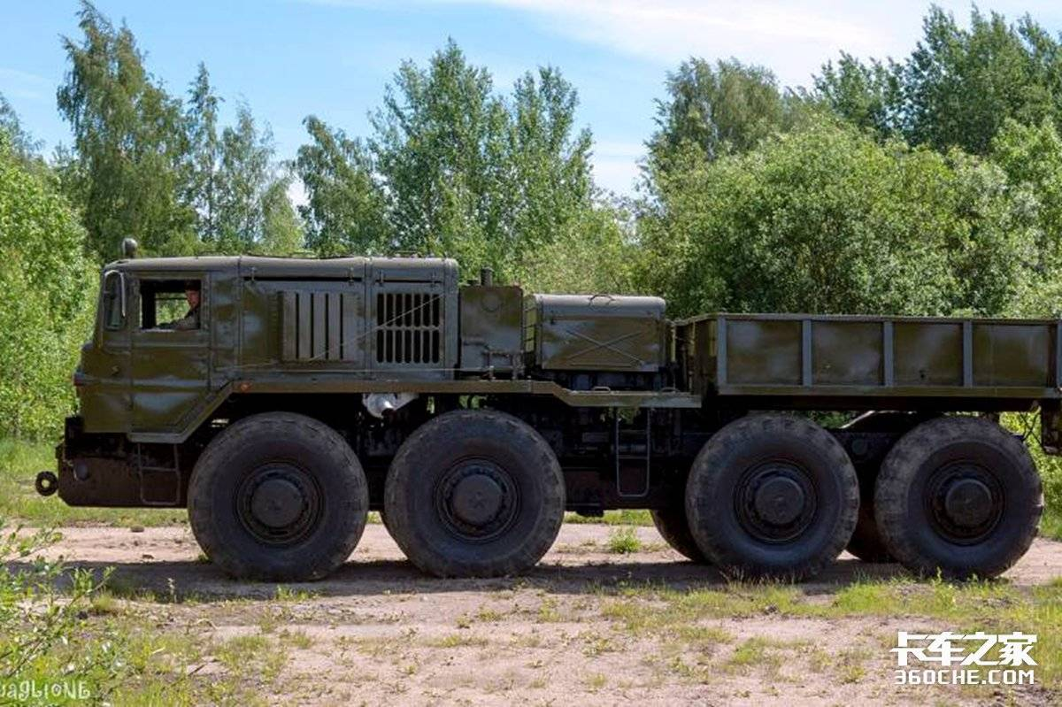 V型12缸排量38.8升MAZ-537的前世今生8X8百公里油耗75升!