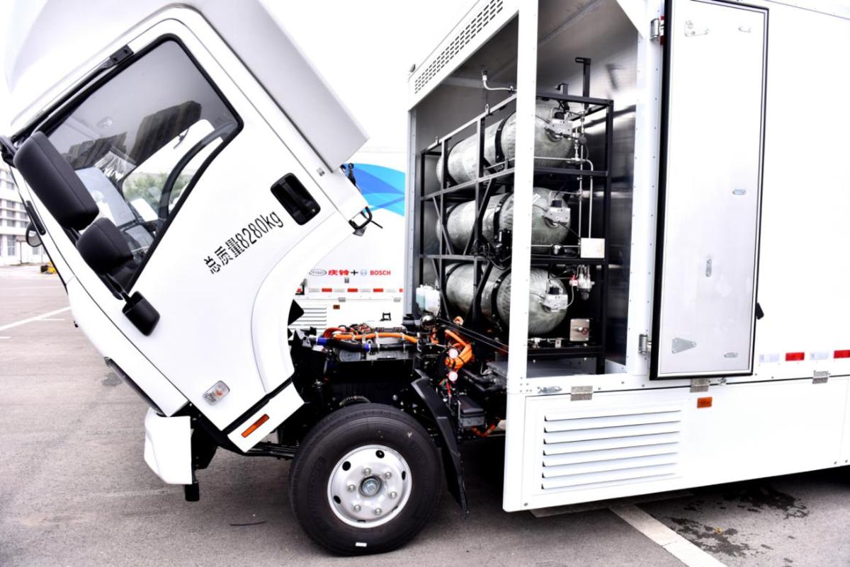 3分钟加完氢续航超500公里庆铃M系列氢燃料电池车