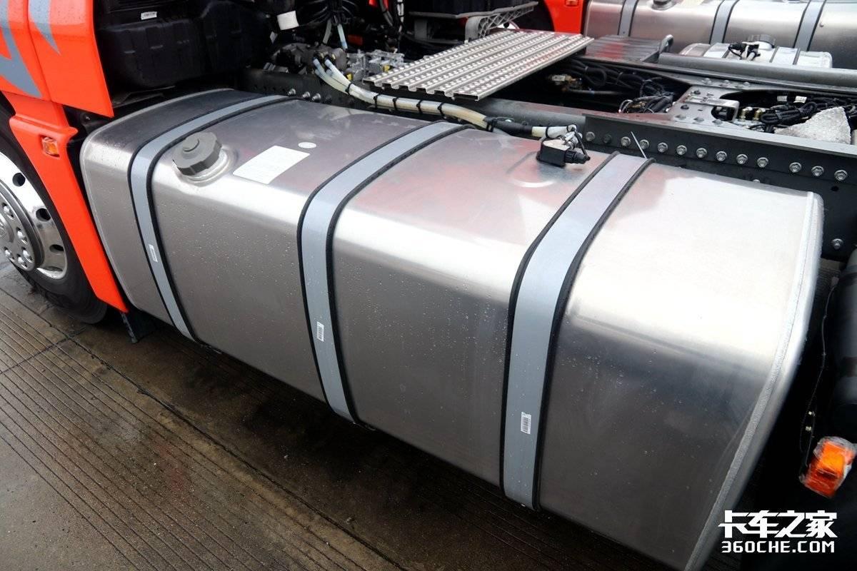 内部高度超过2.1米!540马力超高顶汕德卡C7H图解感觉能蹦迪