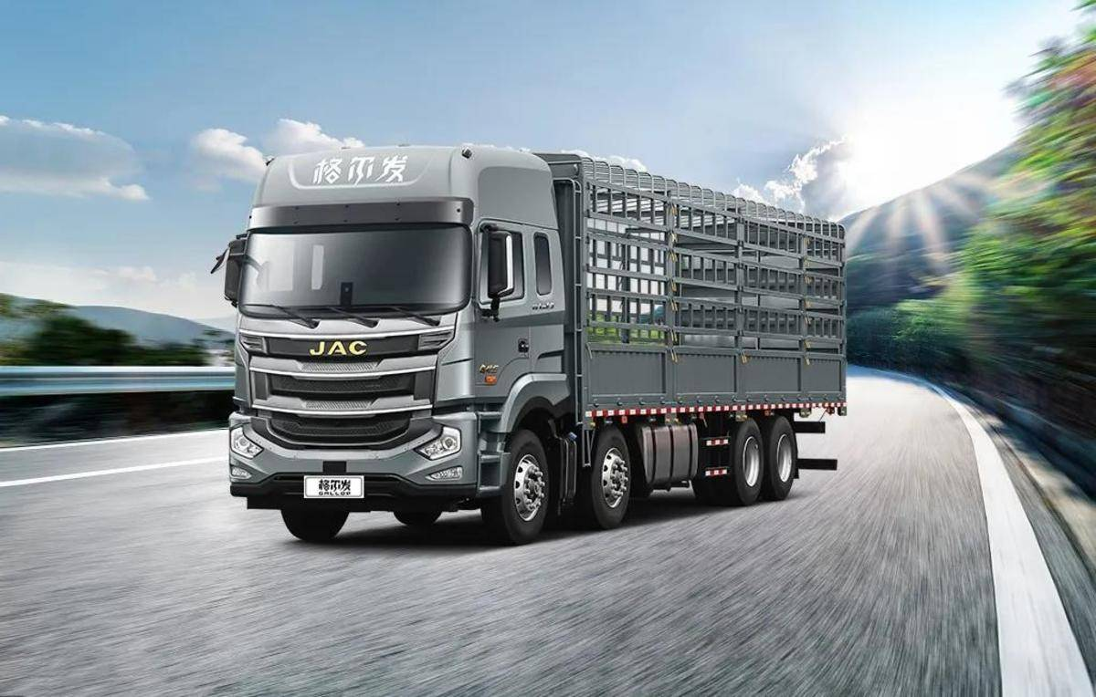 看产品丨绿通黄金期必须有辆格尔发8×4自动挡载货车