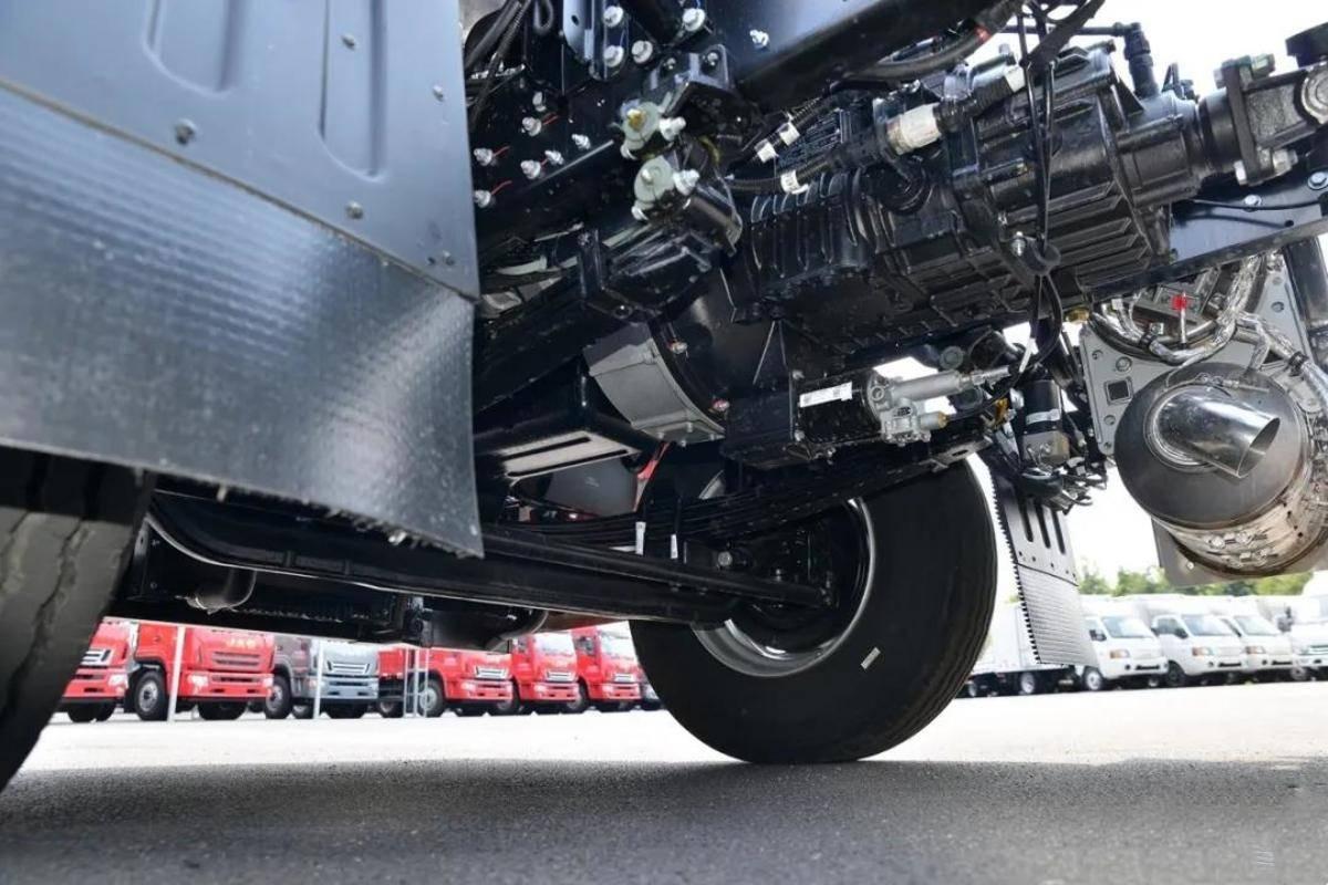 看产品丨高顶双卧享运输还看格尔发A5X载货车