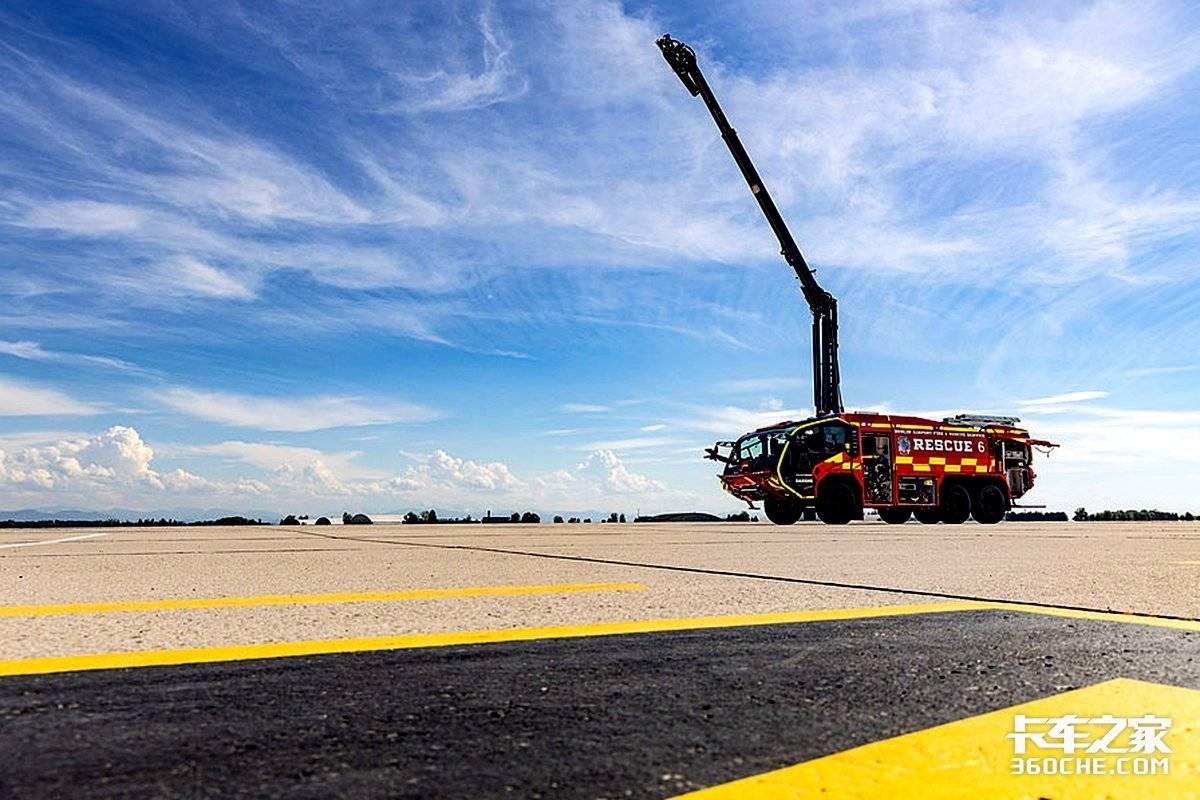沃尔沃700马力发动机!卢森宝亚机场消防车居然还有热成像系统