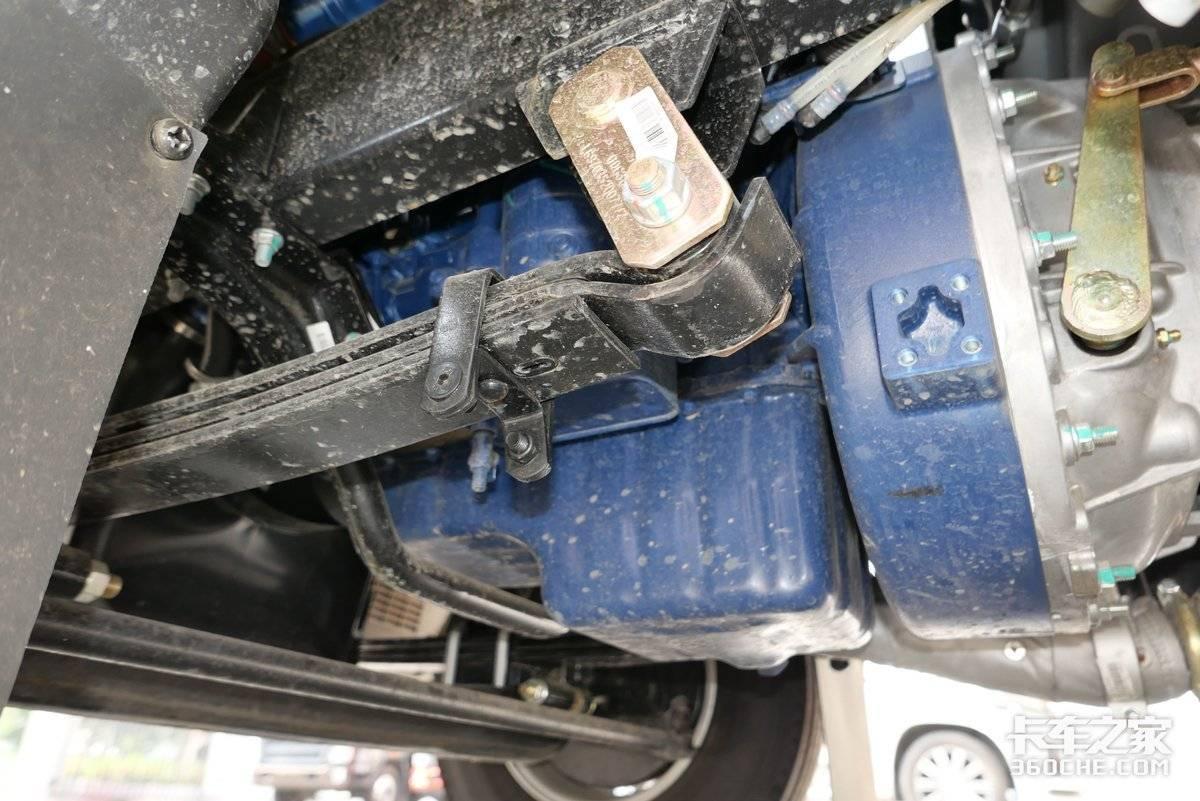 4.49吨公告潍柴130马力还配皮革打孔座椅图解重汽智相小卡
