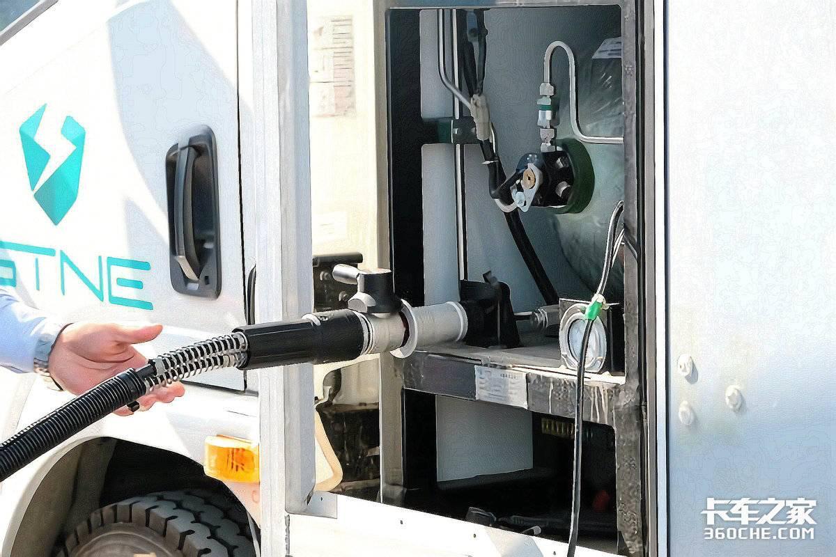 纯电卡车是未来?商用车巨头可不这么看