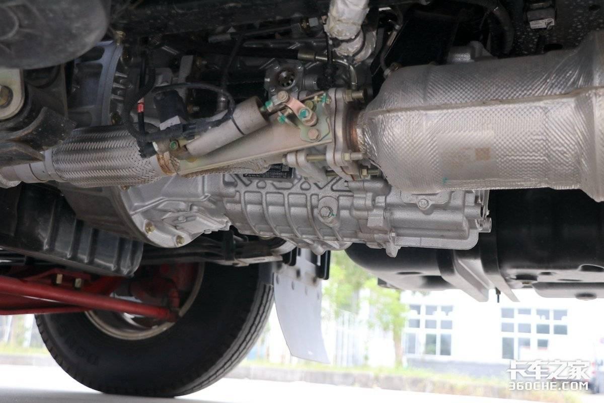 全液晶大显示屏还有倒车影像这款凯普特K6星云还有日产技术!